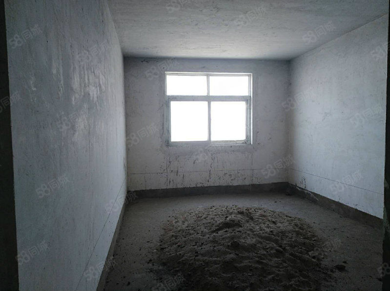 农业局家属院,毛坯3室,暖气入小区