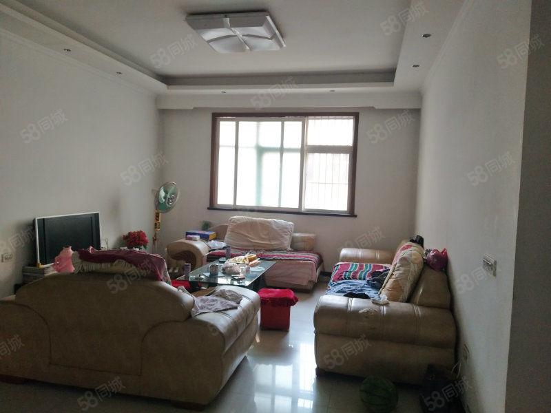 宝鼎枫�Z后八七小区简单装修三楼带储藏室拎包入住半年起租