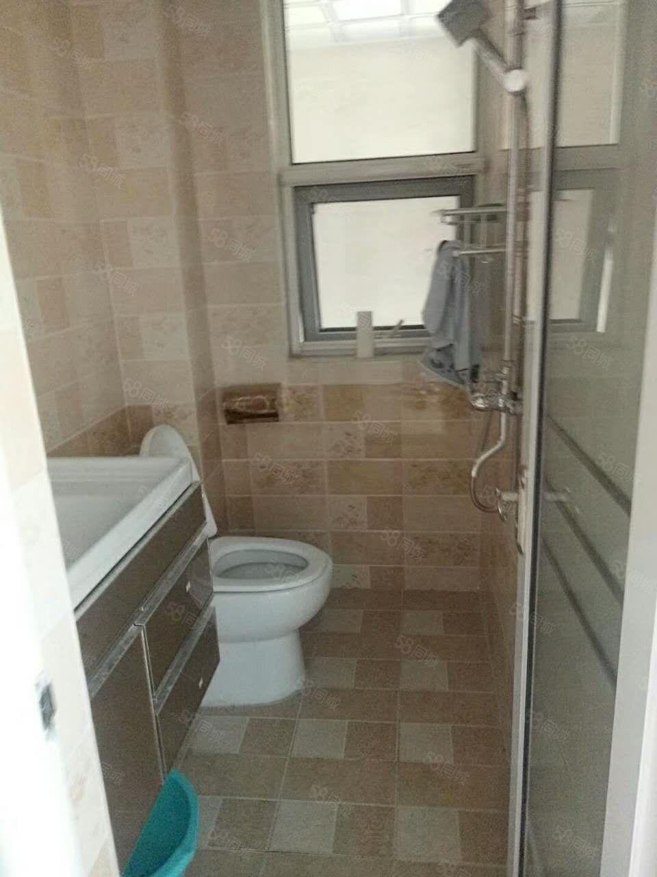 桂翰林国际安置房简装三室,双气地铁口,随时看房