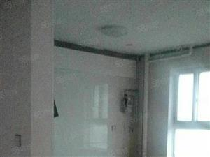 安盛南区146平三室两厅精装整租