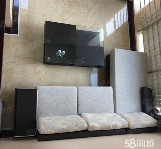 亿隆国际2室豪华装修楼上楼上都有卧室卫生间