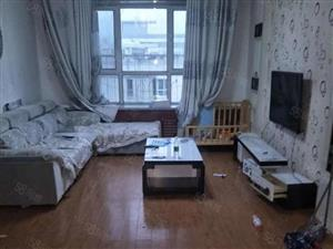 金波园简单装修90平米三室两厅08年房25万售