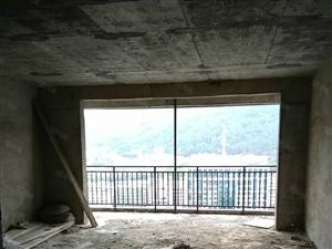 世纪云顶电梯房135平方三室两厅二卫11楼毛坯49.8万