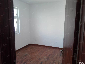 鸿顺官邸现房出租两室简单装修随时看房