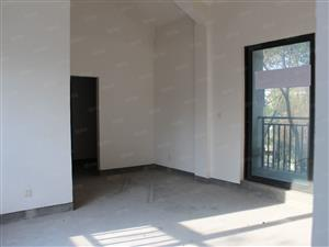 澄湖水岸占地450平纯独栋别墅,小区环境极好,交通便利
