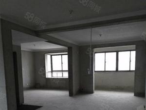急售龙泰御景湾3楼三室送轿车库双证齐全满二年看房方便
