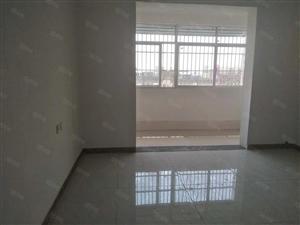 六里二区套房出租简单装修,可随时入住,年租1.3万