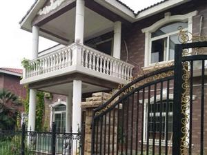 格林山庄精装双气一楼送100平花园随时看房