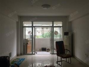 新加坡步行街单身公寓