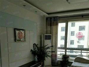 曹州路南一路交叉口,嘉兴医院精装修110平三室房带家具空调。
