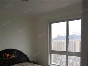 新银座附近铂金豪庭三室两厅两卫大牌精装修139平
