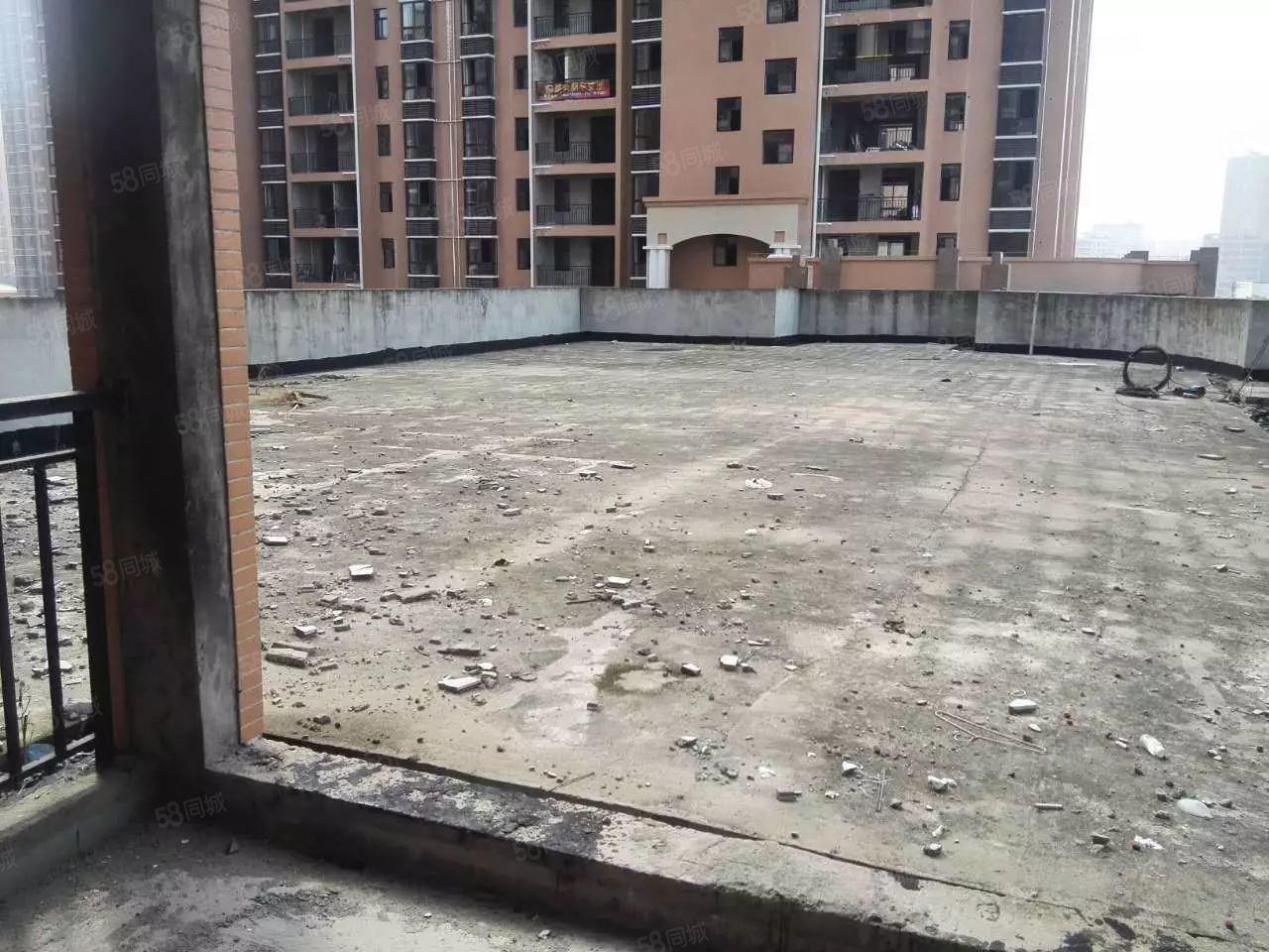 荣府天城123平米三房带大露台毛坯房出售