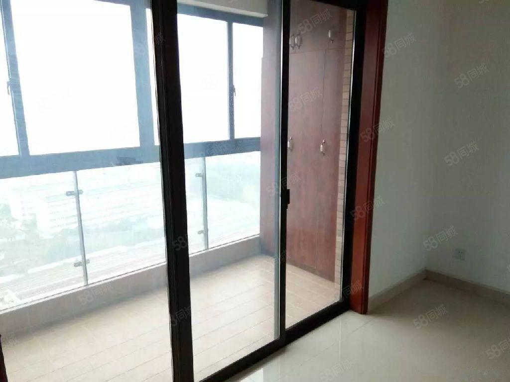 整租精装修三室一厅空房厨卫设施齐全电梯中间层锦艺城