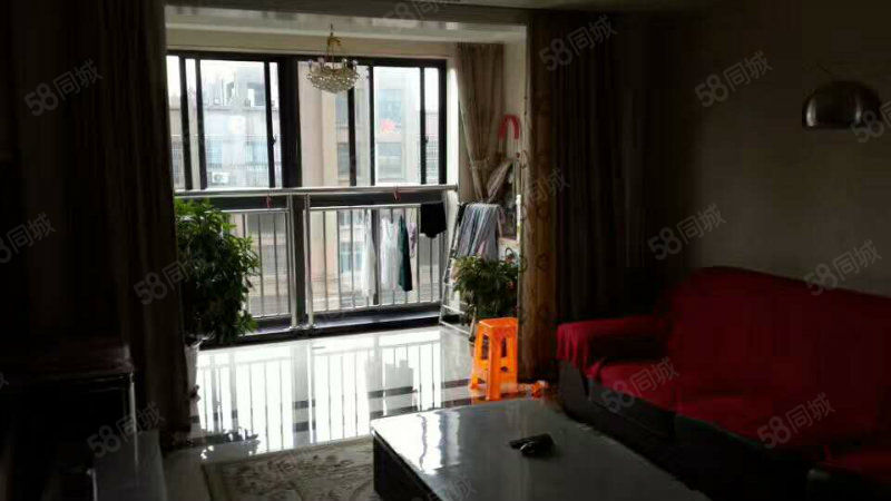 老血防站,一楼精装,100多平,年租价格7500
