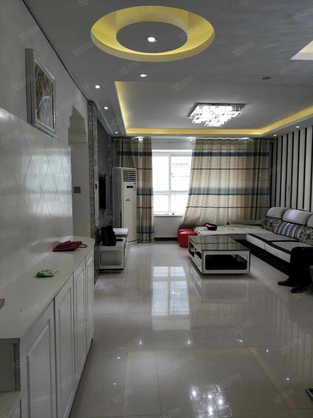 永尚国际精装修三室一年18000家电齐全三台空调