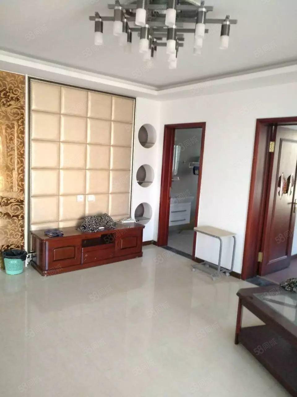 华丽家族高层3室135平毛坯低于售楼部价格随时装修入住
