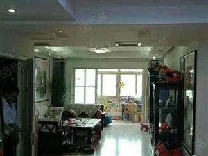 馨露佳苑公路局单位房3楼带车库豪华装修证出5年有名额