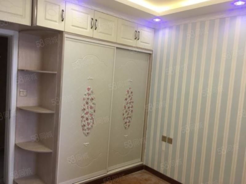 渭阳西路城投时代3室2厅精装修房子出租南北通透采光好