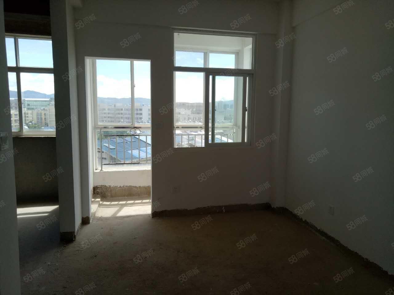 五大中心旁瀛洲河畔三期单身公寓急售,户型格局很好