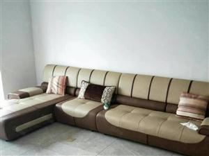 新长小附近丽都景城有精装房出租90平米一个月1000元