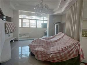 专业设计师精心打造的3房2厅只住几天可做婚房价格美丽