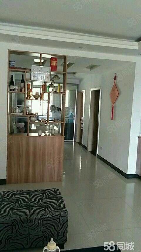 铅山滨江花城3室2厅2卫130平方精装修带家具家电13楼