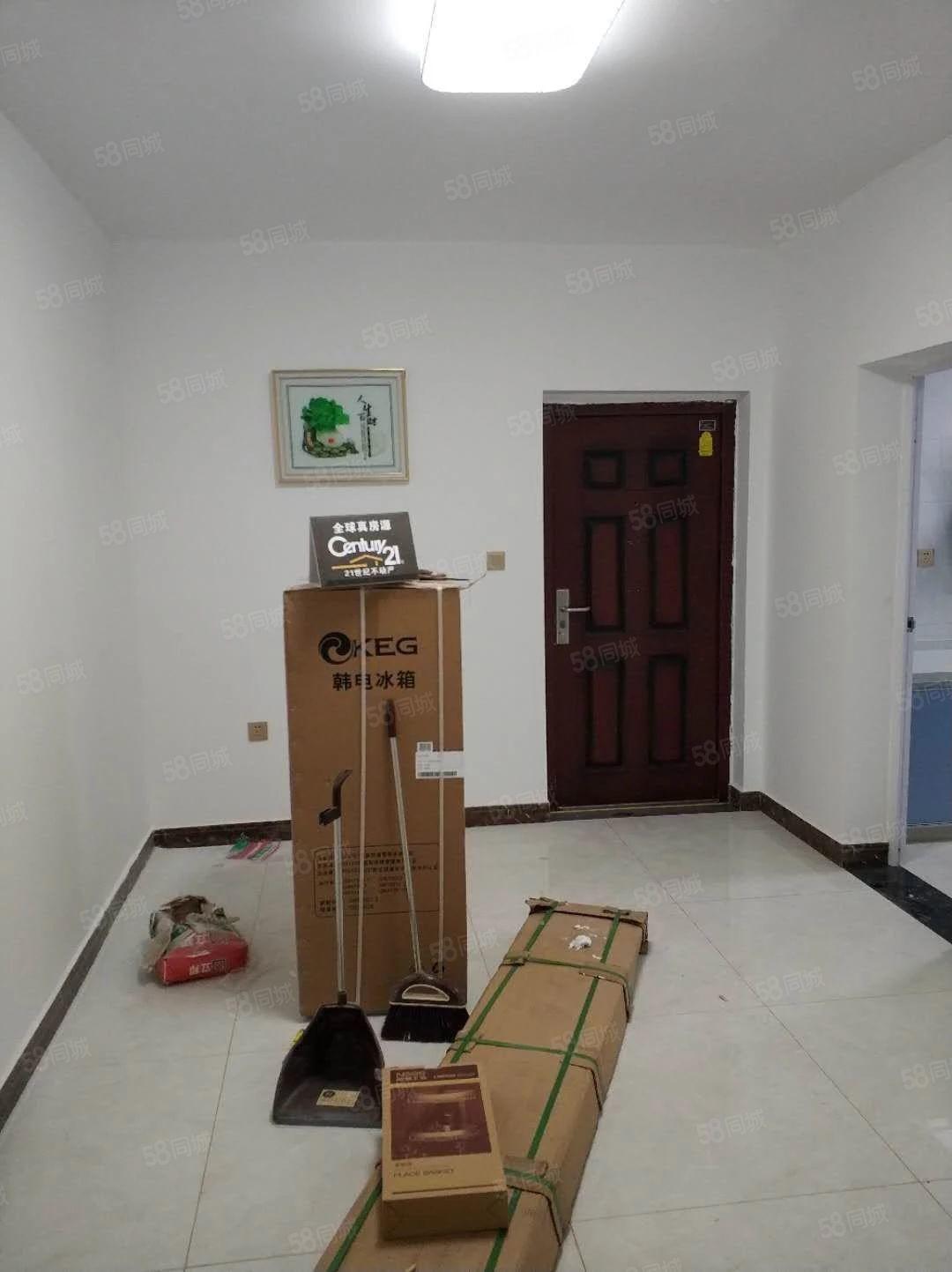 翡翠湾简装房出租家具家电都是新买的拎包即住
