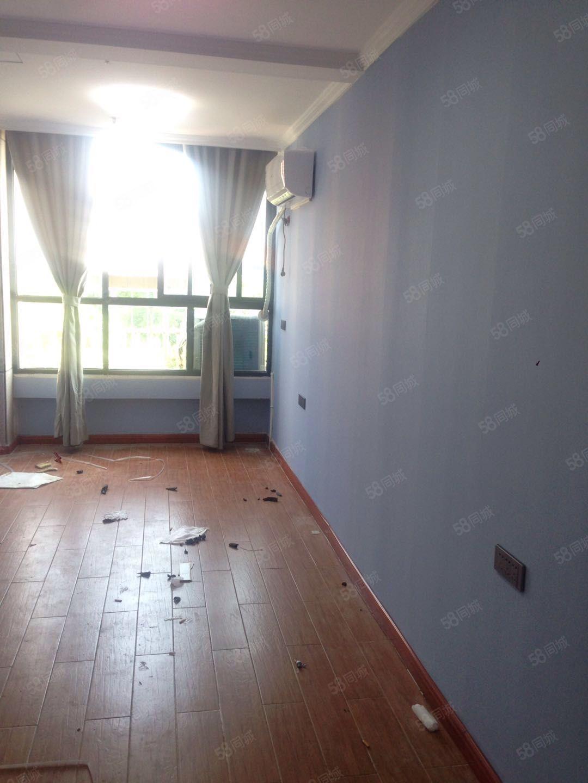 汇金城一室30平精装出租居住也可办公