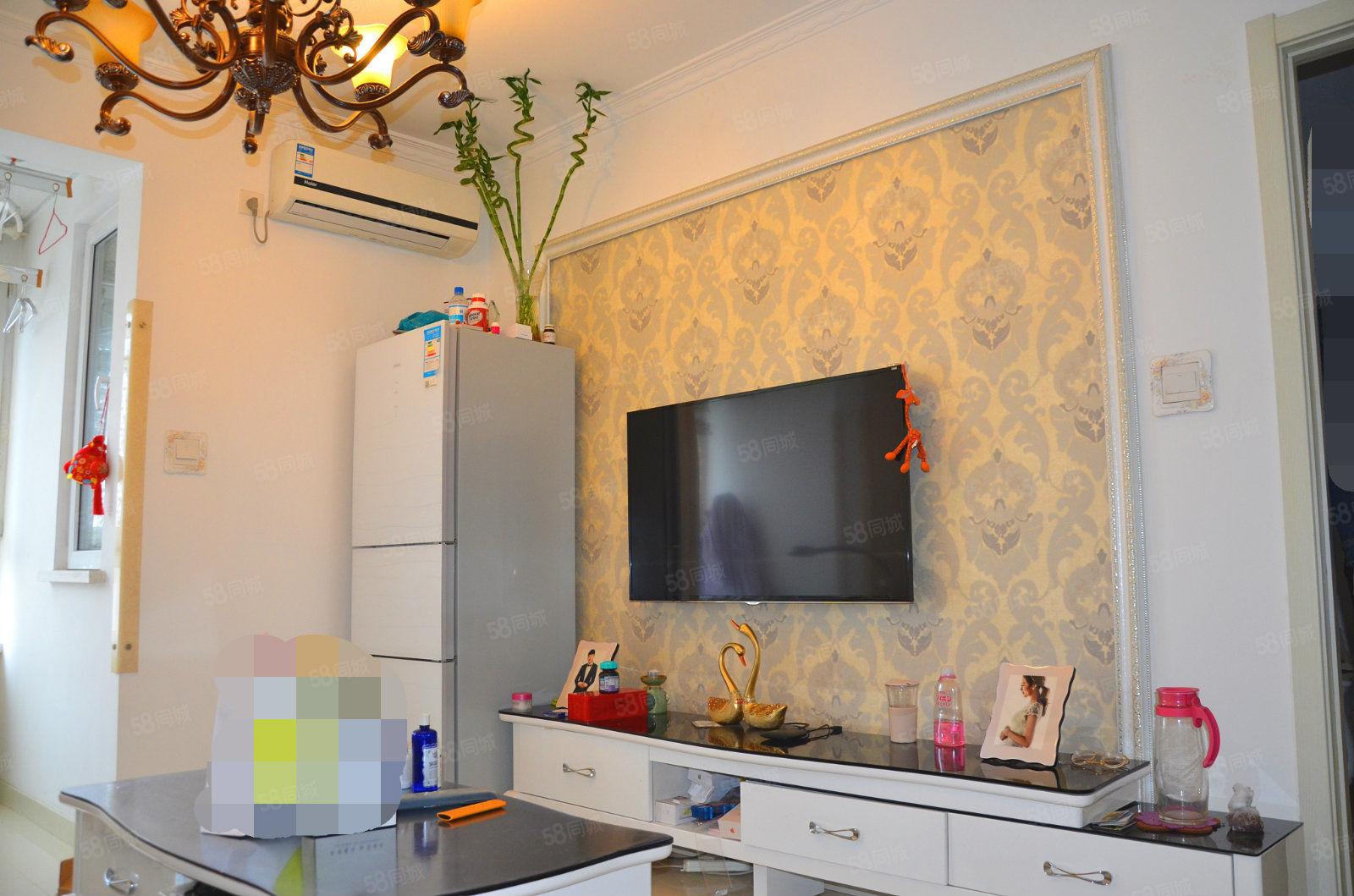新上富尔沃财富汇小两居室精装修拎包入住