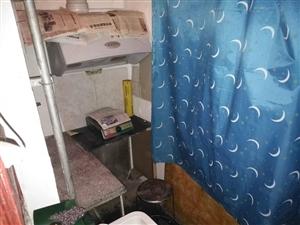 扬子江路日报社家属院南北通透拎包入住家具齐全随时看房欢迎来电
