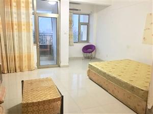 锦绣城一期精装小公寓1200看房联系有电梯