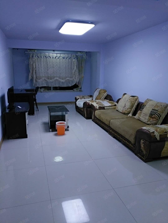 御澜山精装2室家具家电齐全包取暖物业