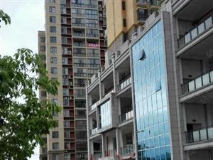 中心幸福122平米3室2厅2卫新装修送楼顶花园