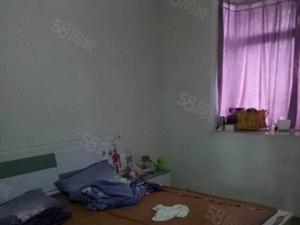 弘扬一期5楼3室2厅2卫114平米简单装修随时看房