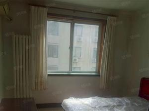 咸阳湖边,东华泰精装3室,多层