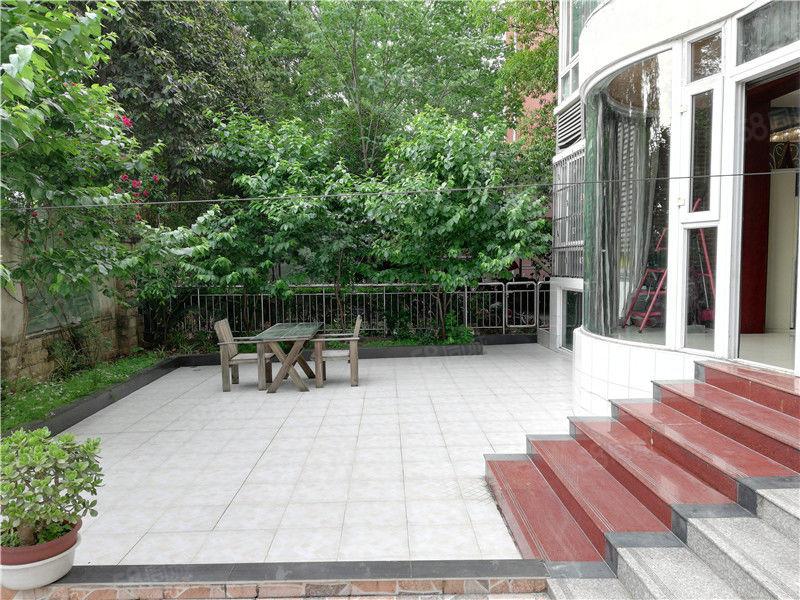 (新装修3年,大花园50平,大套四)...喜欢花园的看过来