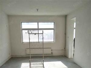 西苑小区,6楼带阁楼,简单家具,出租600元每月