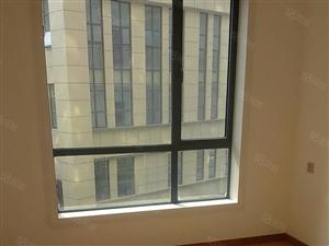 龙泉山庄对面银河广场精装修两房46.8万龙泉山庄对面银