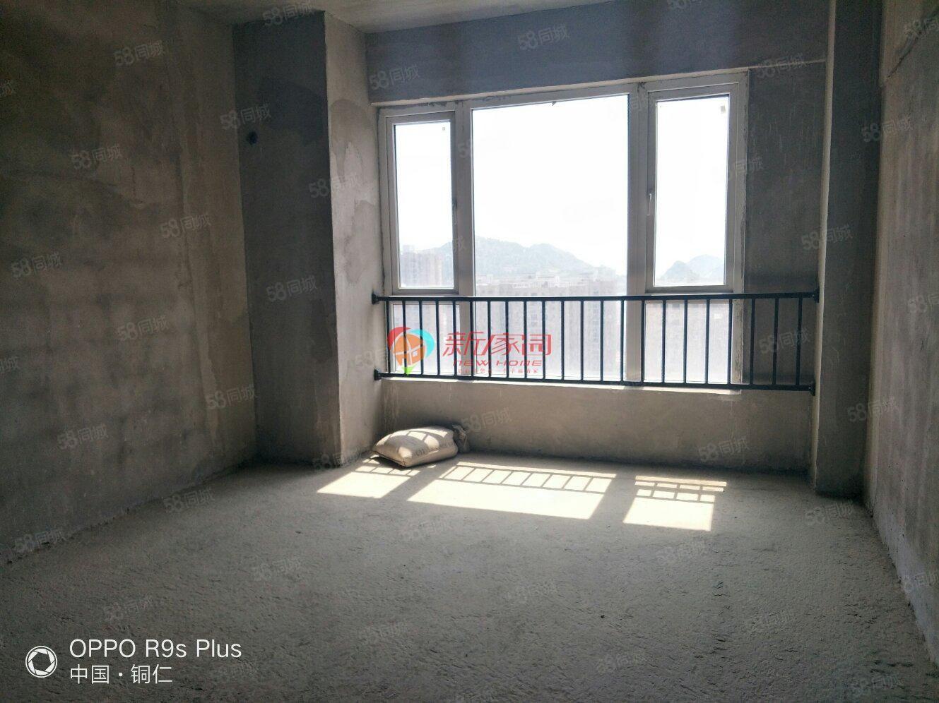 《麒龙国际》买房请看:实用,安静,便利,近学校