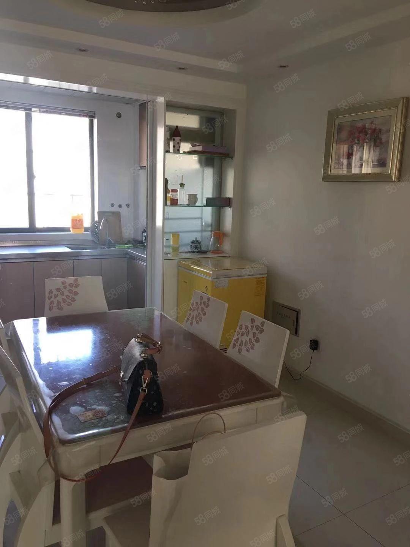 正鑫多层7楼80平米精装修2室,家具齐全拎包记即住
