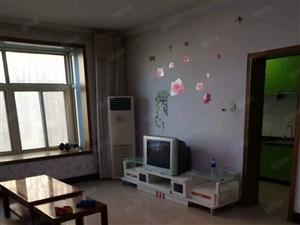 明月豪苑南边的小楼,无暖气有三个空调家具家电齐全。