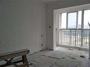 亿丰广场北小区106平方米四室,可全款,可按揭,户型好采光好