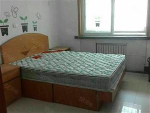 东城金水北区3楼家具齐全带地下室1.2万
