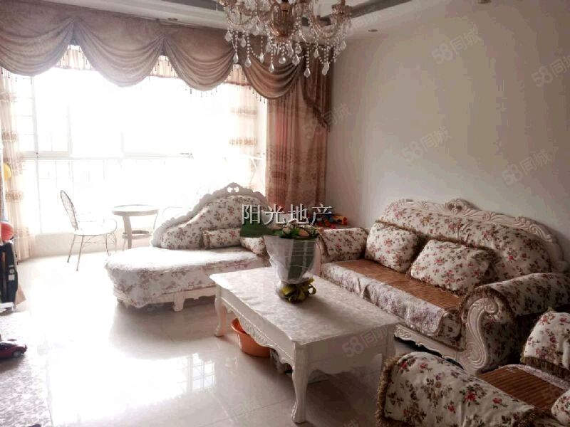 东城一品豪华空了两年敞了两年装修温馨舒适拎包入住