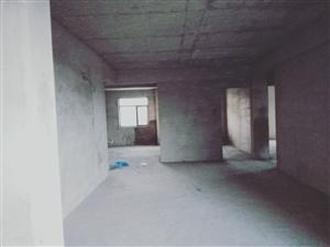 澳门牌九平台水岸星城电梯房11楼3室2厅2卫毛坯房优价出售!