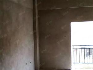 丽水湖畔楼梯房二楼带50平米私家花园急售房