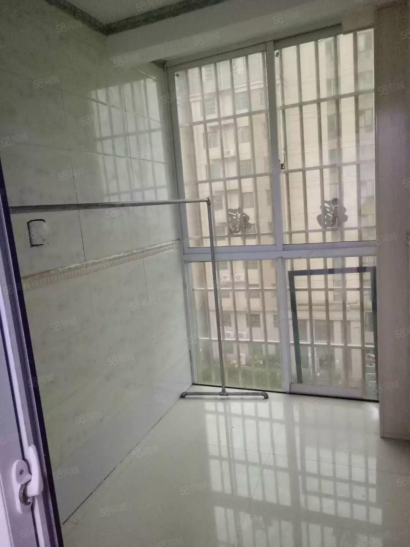 锦绣杏园一室一厅900元拎包入住有富士康班车