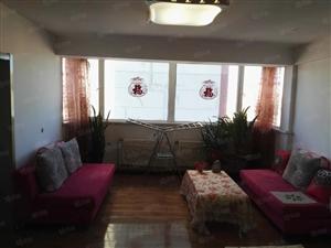 90平米,2室1庁1卫,全明户型,南北通透。赠仓房和部分家具