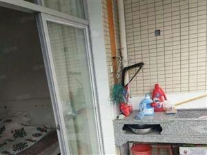 东海富豪世家三房二厅二卫一厨二卫二阳台,装修清楚,拎包入住。