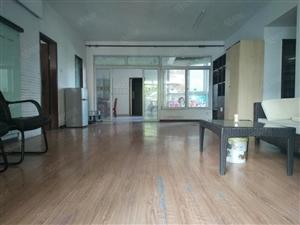 大量房源出租住家均可佳兆业对面金城广场大客厅165平